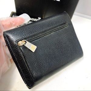CHANEL Bags - Chanel Caviar leather CC trifold Small wallet